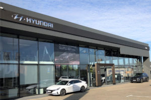 Keller-Hyundai-Gliwice-salon-outdoor-1200x800